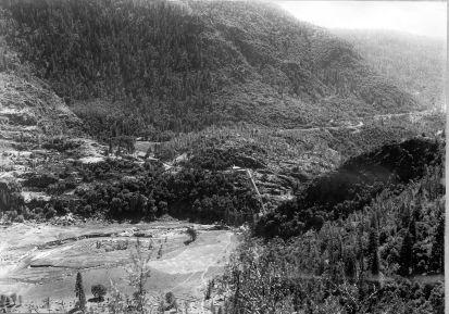 1920px-Hetch-Hetchy-dam-site